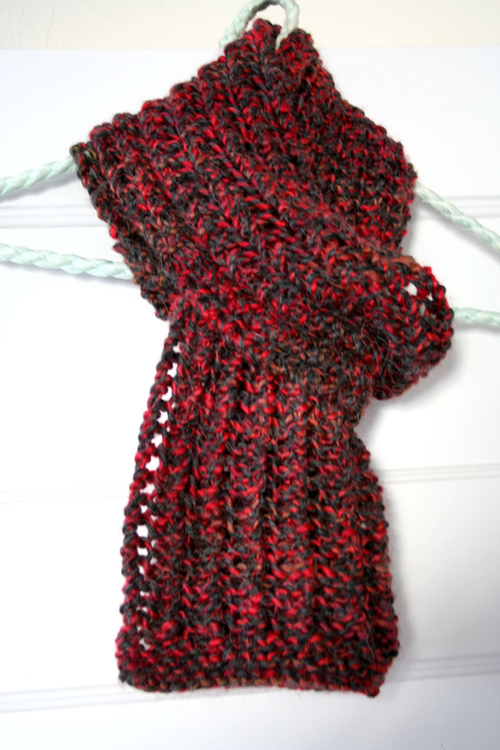 Red/gray scarf