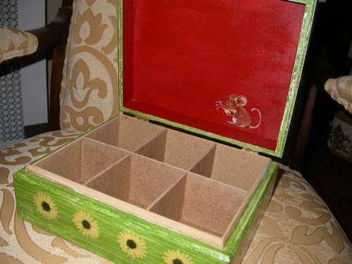 Open_tea_box
